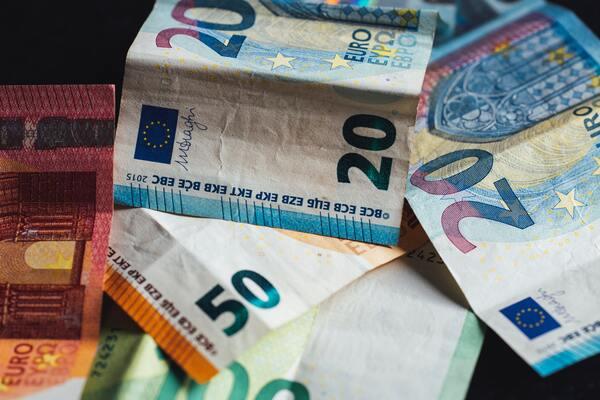 Wil je met vervroegd pensioen? Meer geld verdienen is hierbij natuurlijk mooi meegenomen! (afb.)