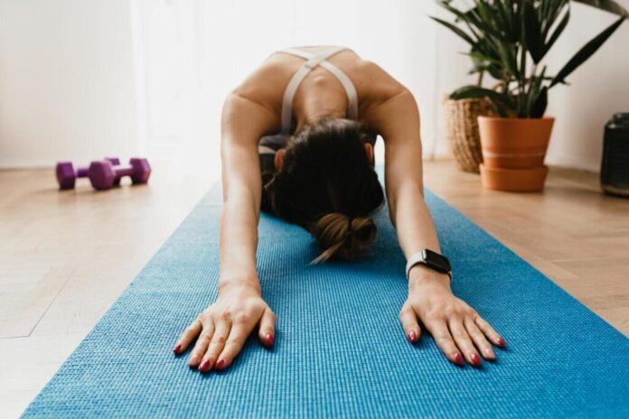 Dagelijkse sport routine? Kom in beweging met deze 5 tips voor thuis trainen.