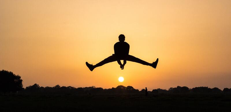 Door weer naar de sportschool te gaan zul je je sterker, beter en goed gaan voelen! (afb)